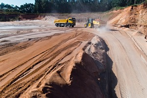 """<div class=""""bildtext"""">In sand and gravel pits around the world, incredible amounts of the respective raw material are moved. Resource-saving handling is essential to reduce operating costs</div>"""