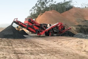 """<div class=""""bildtext"""">2 Sandvik QI442&nbsp;HS – the latest tracked impact crusher with modular hanging screen unit</div>"""