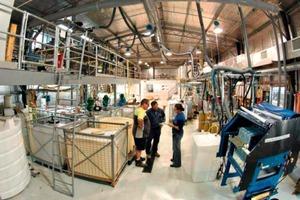 15 Pilotanlage für Polymetallerz ● Pilot plant for polymetal ore