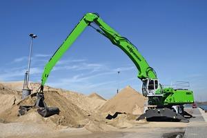 """<div class=""""bildtext"""">Spaansen handles sand with a new SENNEBOGEN 850 E-Series in Ijmuiden, the Netherlands</div>"""
