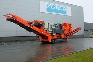 QJ240 mobile jaw crusher from Sandvik<br />