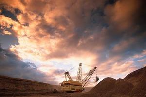 Excavator in the Bulga coal mine (Xstrata Coal)