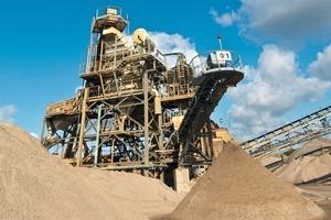 A Cemex gravel preparation plant (Cemex Germany)<br />