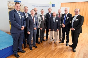 The organizers had invited high-calibre lecturers (from left to right): Dr. Jens Nissen, Bayerngas GmbH; Dr. Wolfgang Krüger, General Manager of the Cottbus Chamber of Industry and Commerce; Dr.-Ing. Steffen Wiedenfeld, General Manager of the UVMB; Thomas Weber, Cemex Zement GmbH, Prof. Dr. Bernd Dammert, Office Rechtsanwälte Dr. Dammert & Steinforth; Uwe Grosser, Vattenfall Europe Mining & Generation AG; Thorsten Schroschk, Regional Office for Mining, Geology and Raw Materials; Bert Vulpius, Managing Director of the UVMB; Michael Basten, General Manager of the Federal Association Rock and Associated Products; Hans-Georg Thiem, President of the Regional Office for Mining, Geology and Raw Materials