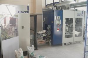 Natursteine werden vollautomatisch abgefüllt und verpackt mit einem HAVER FFS-Automaten<br />