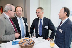 The Minister for Economic Affairs, Gerber, during a discussion with experts of the raw material industry (From left to right): Bert Vulpius, Managing Director of the UVMB; Hans-Georg Thiem,. President of the Regional Office for Mining, Geology and Raw Materials of the federal state of Brandenburg; Albrecht Gerber, Minister for Economic Affairs; Dr. Steffen Wiedenfeld, General Manager of the UVMB
