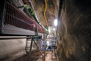 Unter Tage befindet sich in zwei Kavernen eine 65 m lange und 14 m hohe Aufbereitungsanlage # A 65-m-long and 14-m-high processing plant has been installed in two caverns underground