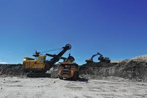 "<div class=""bildtext"">14 Coal mine in Inner Mongolia</div>"
