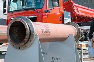 Rohr aus Toolox Stahl für den heißen Einsatz bei reibendem Material ● Pipe of Toolox steel for use with heat producing frictional material