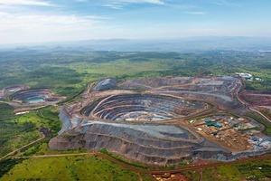 15 Tagebaumine North Mara • North Mara open-pit mine<br />