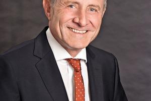 """<div class=""""bildtext"""">4Manfred E. Neubert,<br />Vorsitzender der Geschäftsführung der SKF GmbH/<br />Chair ofthe SKF GmbH Board</div>"""