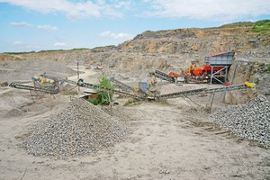 """<div class=""""bildtext"""">1Seit Ende Mai arbeitet der Sandvik UJ310 in der Produktion von Wasserbausteinen und Zuschlagstoffen im Sandsteinbruch von Kamieniołom Barwałd </div>"""