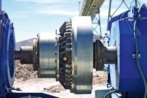 Die konstant gefüllte Voith Turbokupplung schont die Komponenten im Antriebsstrang von Gurtförderern und erhöht deren Verfügbarkeit • The Voith constant-filled fluid coupling protects the components in belt conveyor systems, increasing their availability<br />
