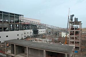 19 Installation der Brechanlage # Installation of the crushing plant<br />