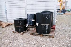 """<div class=""""bildtext"""">18 Die Fördergurte vor dem Einbau • The conveyor belts prior to installation</div>"""