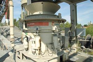 2 HP200 für die Splittproduktion im Werk Winklarn • HP200 for chippings production at the Winklarn works<br />