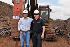 "<div class=""bildtext"">General Manager Paulo Thiago Miranda (l.) von FLAPA Mining und Rock Brit, ein Mitglied der lokalen Handelsvertretung für Rammer • General Manager Paulo Thiago Miranda (l.), FLAPA Mining, and a member of the local Rammer dealer, Rock Brit</div>"