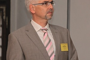 Dr.-Ing. Henning Morgenroth