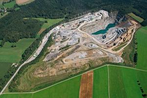 1 Blick auf den Steinbruch in Oberottendorf # View of the quarry in Oberottendorf<br />