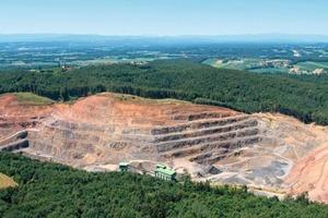 1 Steinbruch Klöch # Klöch quarry<br />