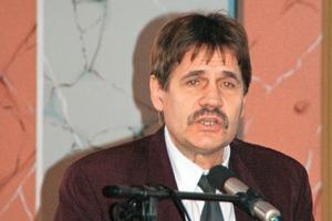 3 Dr Klaus Meltke<br />