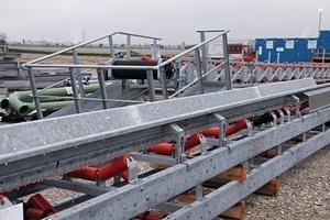 """<div class=""""bildtext"""">15 Die Bandgestelle von VHV Anlagenbau wurden bereits am neuen Standort angeliefert • The conveyor frames from VHV Anlagenbau have already been delivered to the new site</div>"""