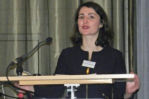"<div class=""bildtext"">M. sc. Elisabeth J. Thomé-Kozmiensky</div>"