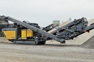 """<div class=""""bildtext"""">2 Der RM V550GO! produziert aus Überschusskörnungen Sand oder bereitet Hartgestein zu Wertkorn auf • The RM V550GO! crushes sand from surplus grades and processes hard rock to aggregate</div>"""