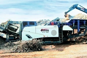 2 The Mobirex MR 130 ZS bought by Feess with detached rescreening unit for crushing building rubble<br />