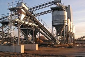 Silo discharge equipment for gravel loading (FAF Fördertechnik)<br />