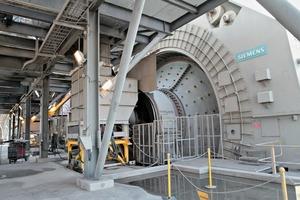 2 Aufbereitungsanlage mit getriebelosen Mühlenantrieben von Siemens • Mine concentrator plant with Gearless Mill Drives from Siemens<br />