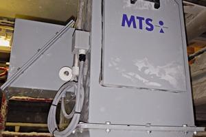 """<div class=""""bildtext"""">3 Prallplattenwaage mit Prüfvorrichtung • Impact scales with test device</div>"""