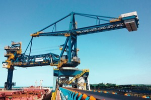 1 The CSU has a nominal capacity of 2400 t/h and is able to unload vessels up to 125 000 DWT