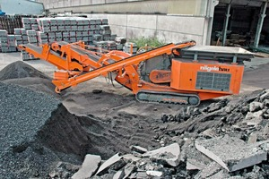 3 Die Rockster Prallbrechanlage R900 bei Nägelebau / ARGE Recycling in Röthis • The Rockster Impact Crusher R900 at Naegele constructions/ARGE-Recycling in Röthis<br />