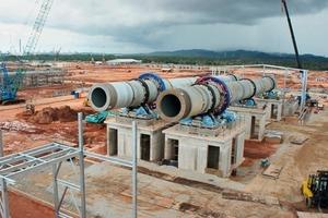 14 Bau der Drehrohröfen der LAMP-Anlage ● Construction of the rotary kilns at the LAMP plant