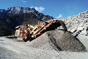 "<div class=""bildtext"">Polixmair crushing 100 000 tonnes of highway concrete with his Rockster R1100D in Anif near Salzburg</div>"