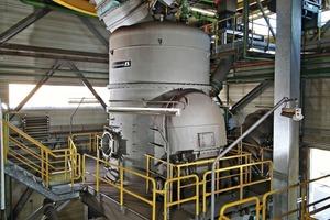 """<span class=""""bildunterschrift_hervorgehoben"""">2</span>Loesche-Mühle Typ LM 28.2, Schwarze Pumpe/Deutschland• Loesche mill type LM 28.2, Schwarze Pumpe/Germany<br />"""