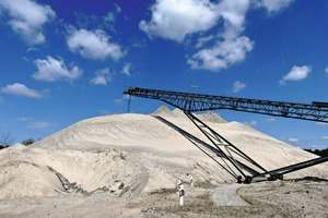 """<div class=""""bildtext"""">2 Sand and gravel are only extracted and processed in line with demand. Many branches of industry depend on it, foremost the construction industry</div>"""