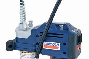 """<div class=""""bildtext"""">Die Lincoln-Schmierfettpresse PowerLuber 1880 mit 20 Volt-Lithium-Ionen-Akku ist ebenso kräftig wie kompakt und einfach in der Handhabung</div>"""