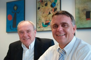 Uwe Gemsa (r.), managing director of REMA TIP TOP Handling GmbH, with the operations manager at Kamen, Bernd Gitzen (l.)<br />