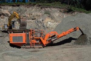 R900 impact crusher in the serpentinite quarry<br />
