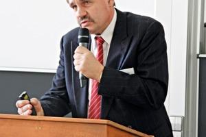 3 Dr. Klaus Meltke<br />