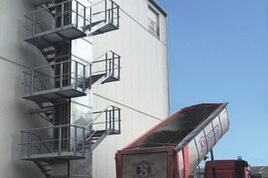 """<div class=""""bildtext"""">1 Truck reception silo and silo feeding with VHV S-shaped double belt conveyor</div>"""
