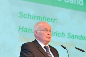 Hans-Heinrich Sander, the Minister of the Environment and Climate Protection of Lower Saxony
