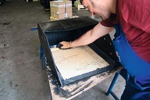 2 Präzise Fertigung in Handarbeit # Precision manufacturing requiring manual work