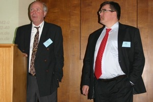 Dipl.-Ing. Eckhard Zeiger (r.) und Dipl.-Ing. Harald Kroog (l.) during the discussion<br />