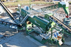 "<div class=""bildtext"">Overhead view of AggMax logwasher on wash plant in Texas</div>"