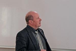 9 Prof. Dr.-Ing. Ulrich Krause