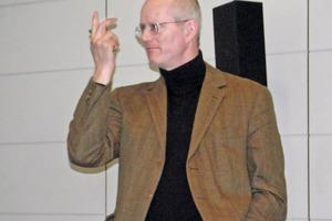 "<div class=""bildtext"">Universitätsprof. Dr. mont. Roland Pomberger, chairing the Process-Engineering session</div>"