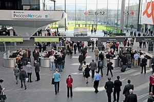 Messebesucher der POWTECH 2013 • Visitors to the POWTECH 2013